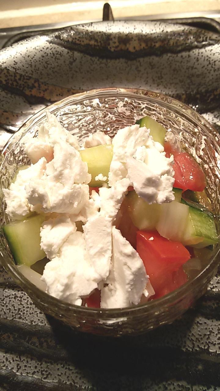 サラダ きゅうり トマト と の